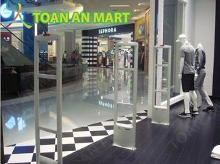 Cổng từ cho shop thời trang